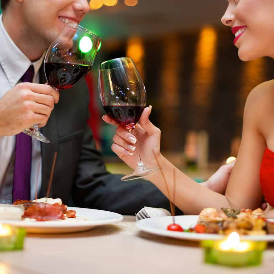 Image of man and woman dining
